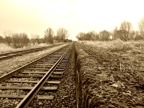 rail road tracks-1930s-depression-family history